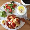 instagramの朝食写真が一冊の本になる事もある