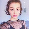 モデルの内田理央がイガリメイクでキラキラ写真を公開
