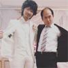 トレンディエンジェル斎藤司、俳優綾野剛とツーショット写真公開
