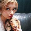タレントのローラ、愛犬モカちゃんとのツーショット写真を公開