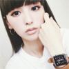 モデルの鈴木えみ、AppleWatchを付けてオシャレな自撮り写真...