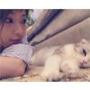 モデルの舟山久美子(くみっきー)がキュートな猫とツーショ...