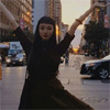 モデルの萬波ユカ、ニューヨークでの写真で顔の小ささに驚き