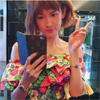 タレントの紗栄子、夏らしいファッションに注目が集まる