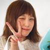 女優の本田翼、non-noから24歳誕生日祝いを貰い笑顔でピース