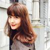 モデルのトリンドル玲奈が秋メイクでの撮影姿が激カワ