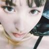 モデルの鈴木えみ、移動中の自撮り写真を公開