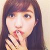 モデルの堀田茜、新しいリングを見せるも唇に目が釘付けに