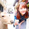 モデルのトリンドル玲奈、鹿とのツーショットが可愛いと話題