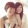 佐藤ありさ、幸せいっぱいの笑顔で佐藤栞とのツーショット公開