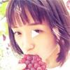 大原櫻子、山梨県でぶどう狩りを楽しんでぶどうをほおばる動画