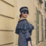 小嶋陽菜、パリの街角でお忍びスタイル